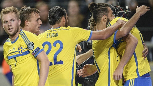 Sverige vinner båda halvlekarna mot Liechtenstein