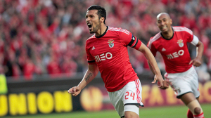 "Benfica's Garay celebrates his goal against Juventus with ""Luisao"" Silva  during their Europa League semi-final first leg soccer match at Luz stadium in Lisbon"