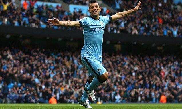 Man City gör mål i båda halvlekarna
